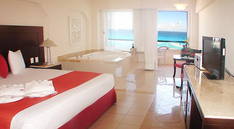 Last moment Cancun