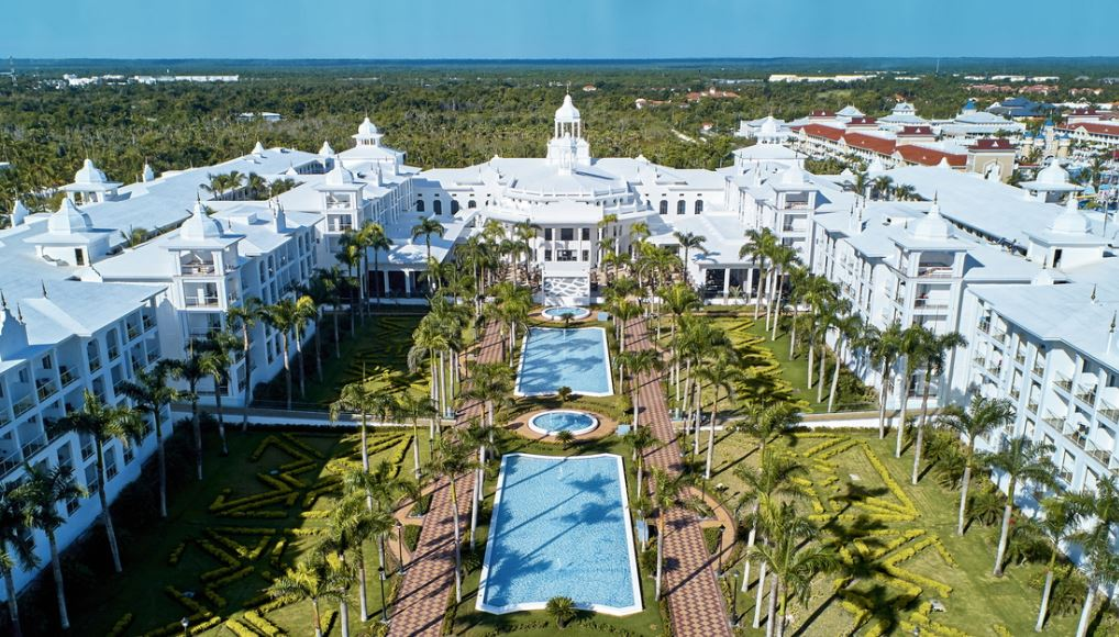 Last minute Riu Palace Punta Cana air and hotel vacation packages